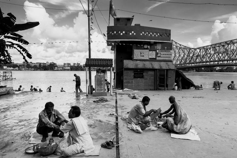 -ghat-near-howrah-bridge-kolkata_9927201985_o